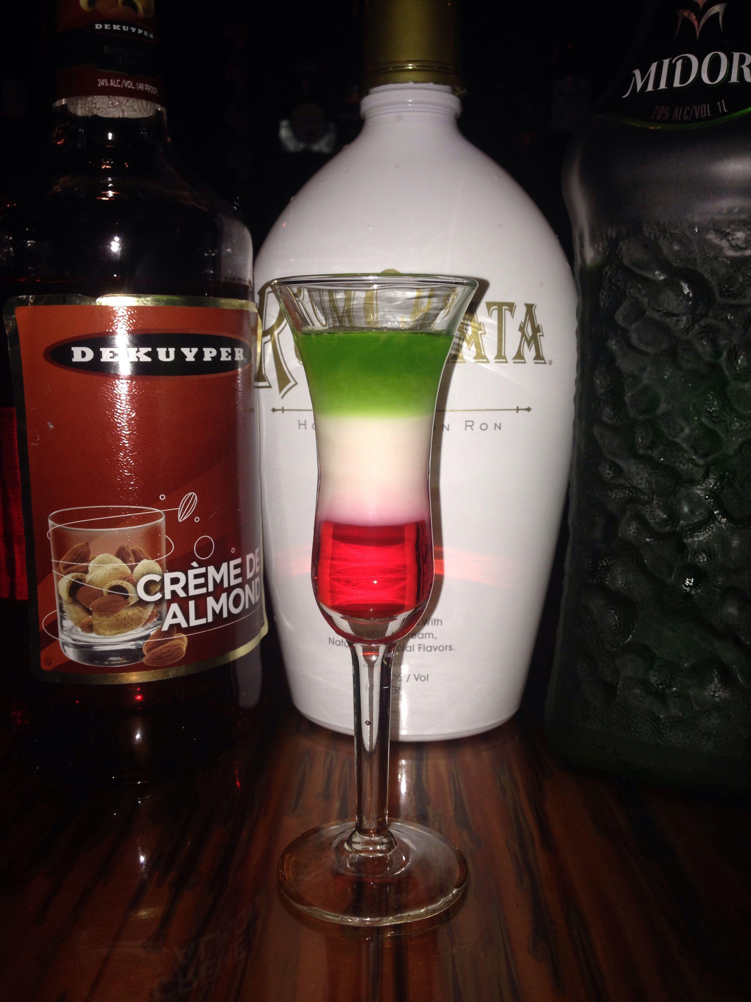 Italian Flag Shot Shots Alcohol Italian Alcohol Drinks Alcohol Recipes