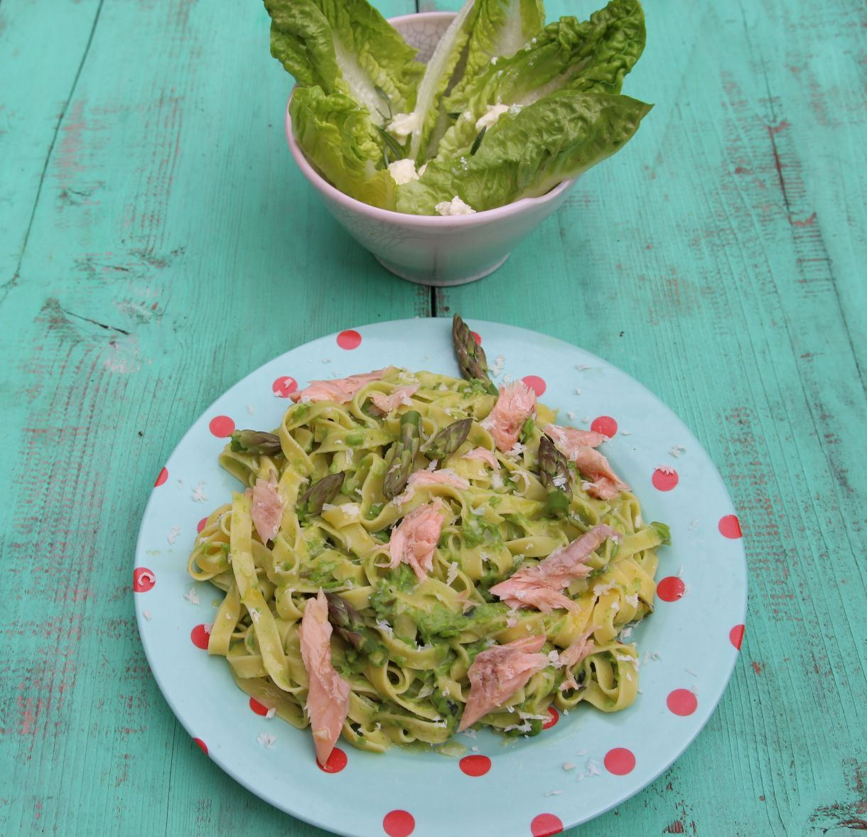 Jamie Oliver 15 Min Küche Jamie Oliver S Fettuccine With Smoked Trout Asparagus And Peas