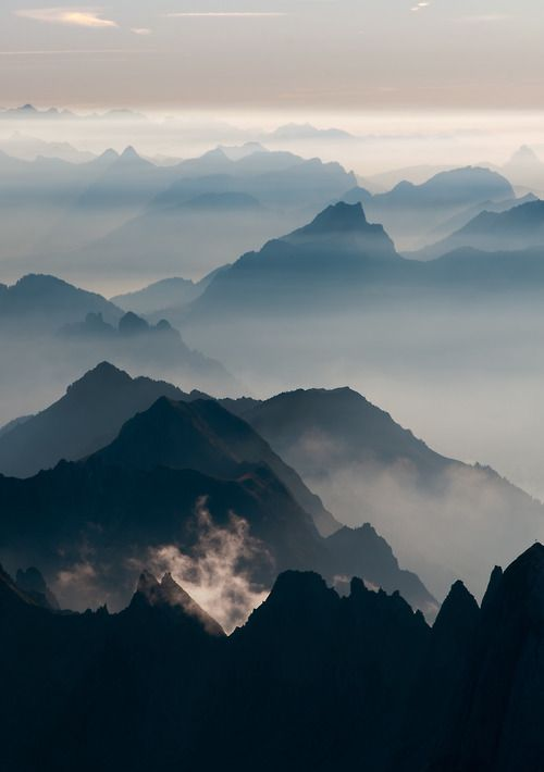 Layers In The Mountains Keen Hiking Mountain Background Scenery Beautiful Nature