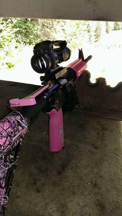 A closer look at Amanda's AR - Love the pink camo!