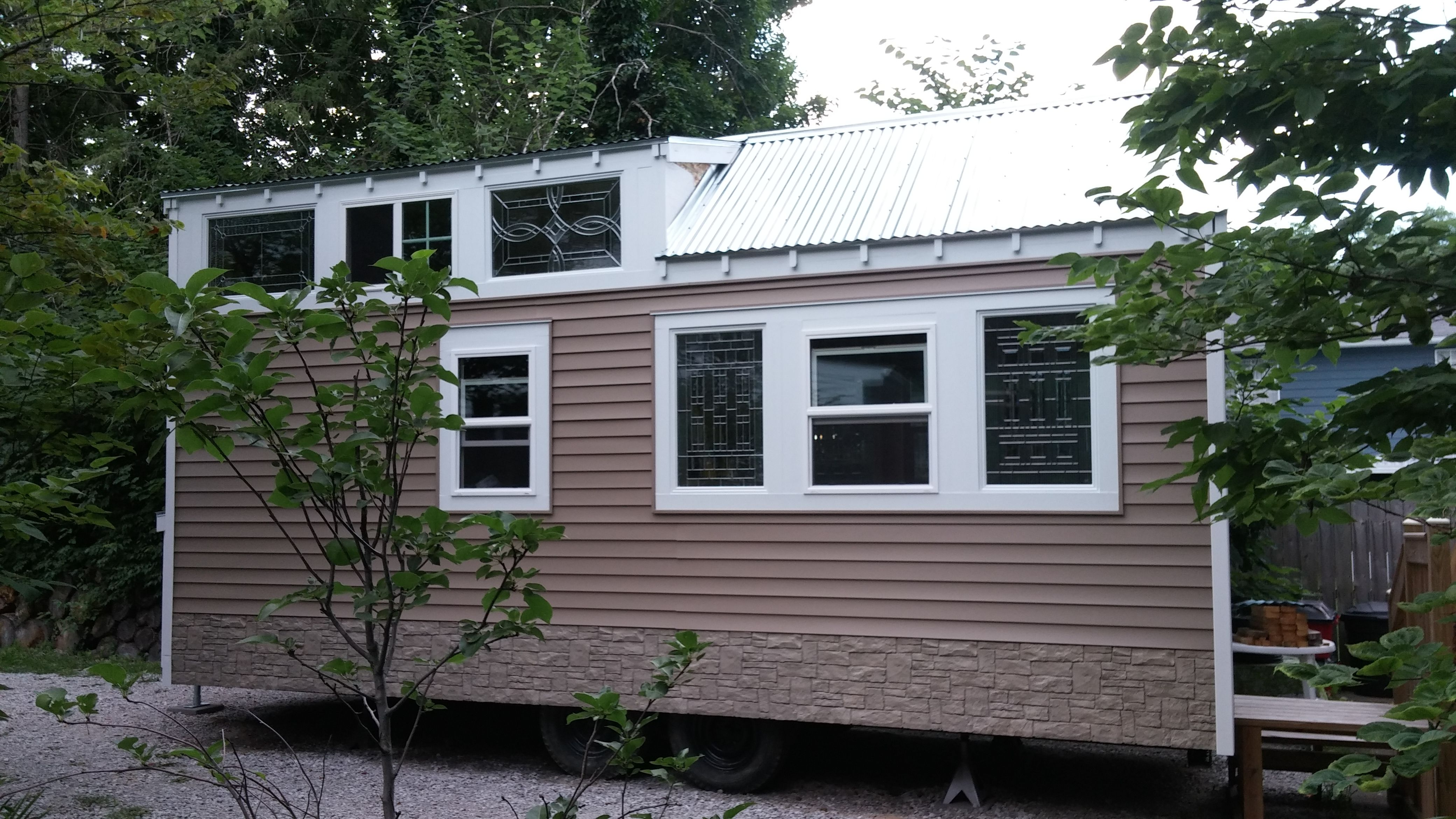 Tiny House Modern Craftsmen Style With Images Houses
