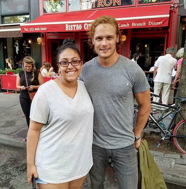@samheughan thanks for being so nice!!!! it was a pleasure to meet you lol I found the bakery btw @magnoliabakery  #samheughan #outlander #jamiefraser