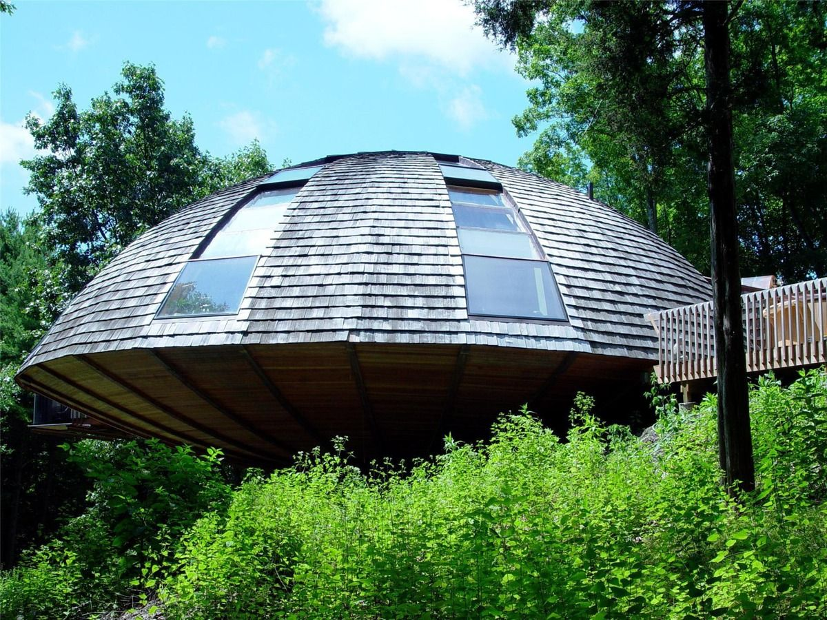 Outstanding Flying Saucer Shaped House Takes Design To New Heights For Download Free Architecture Designs Xerocsunscenecom