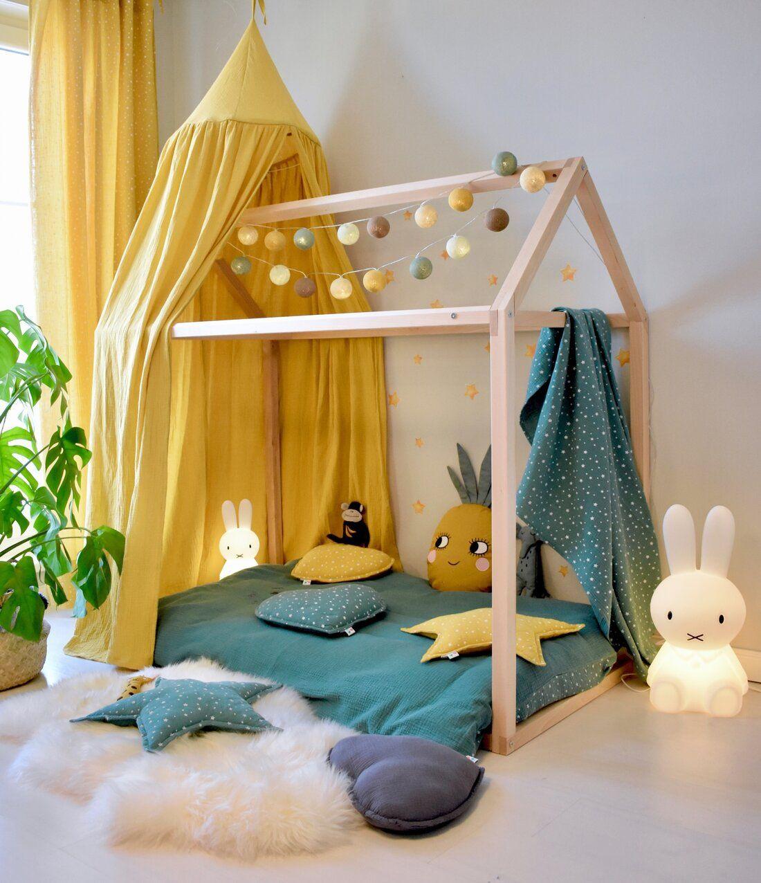 Kinderzimmer mit Hausbett im tropischen Look bei Fantasyroom online kaufen