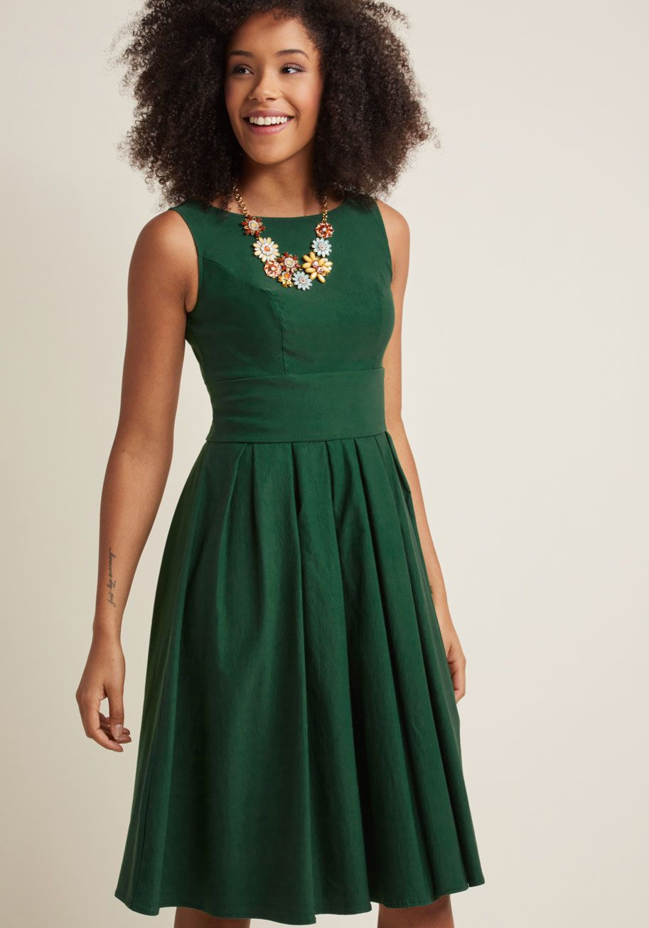 Certified stunner hunter green midi dress dresses pinterest