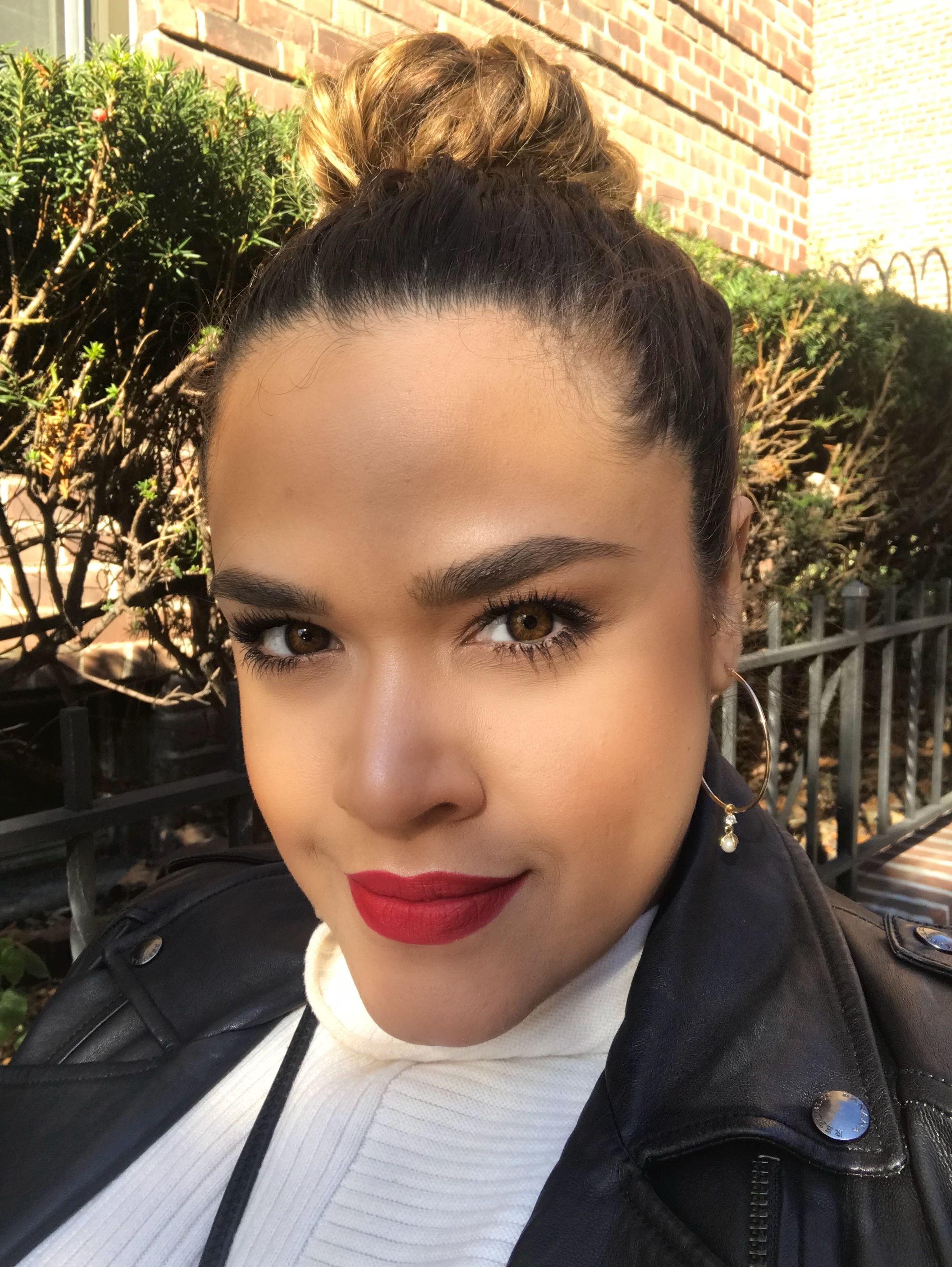Always Love A Bold Red Lip Lace Beauty Lulu Acevedo
