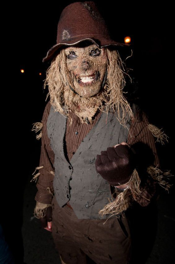Unheimlich! - #Unheimlich #scarecrowcostumediy
