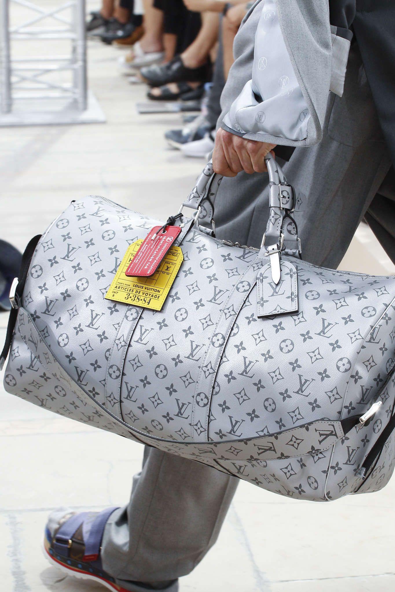 Louis Vuitton   Vêtements pour homme   Louis vuitton, Sac et Fashion ... f0c0fea5cb3
