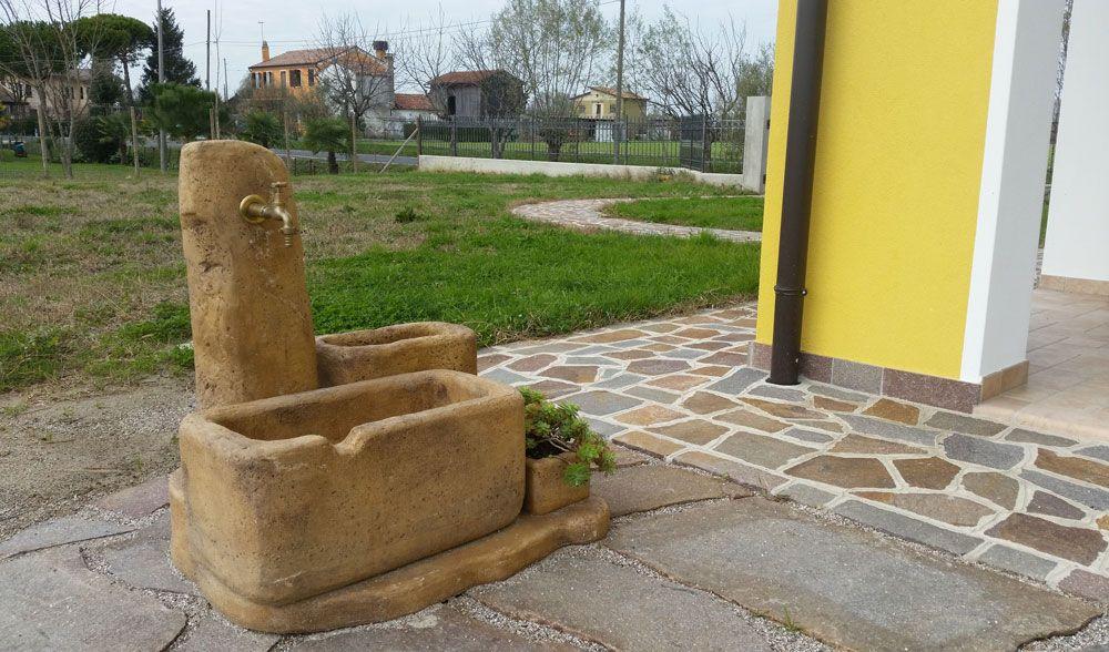 Fontanella Da Giardino In Mattoni : Fontanella da giardino modello dolomiti colore old stone