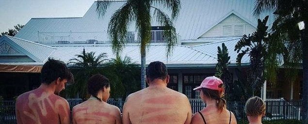 This Is What Happens If You Don't Use Spray On Sunscreen Correctly