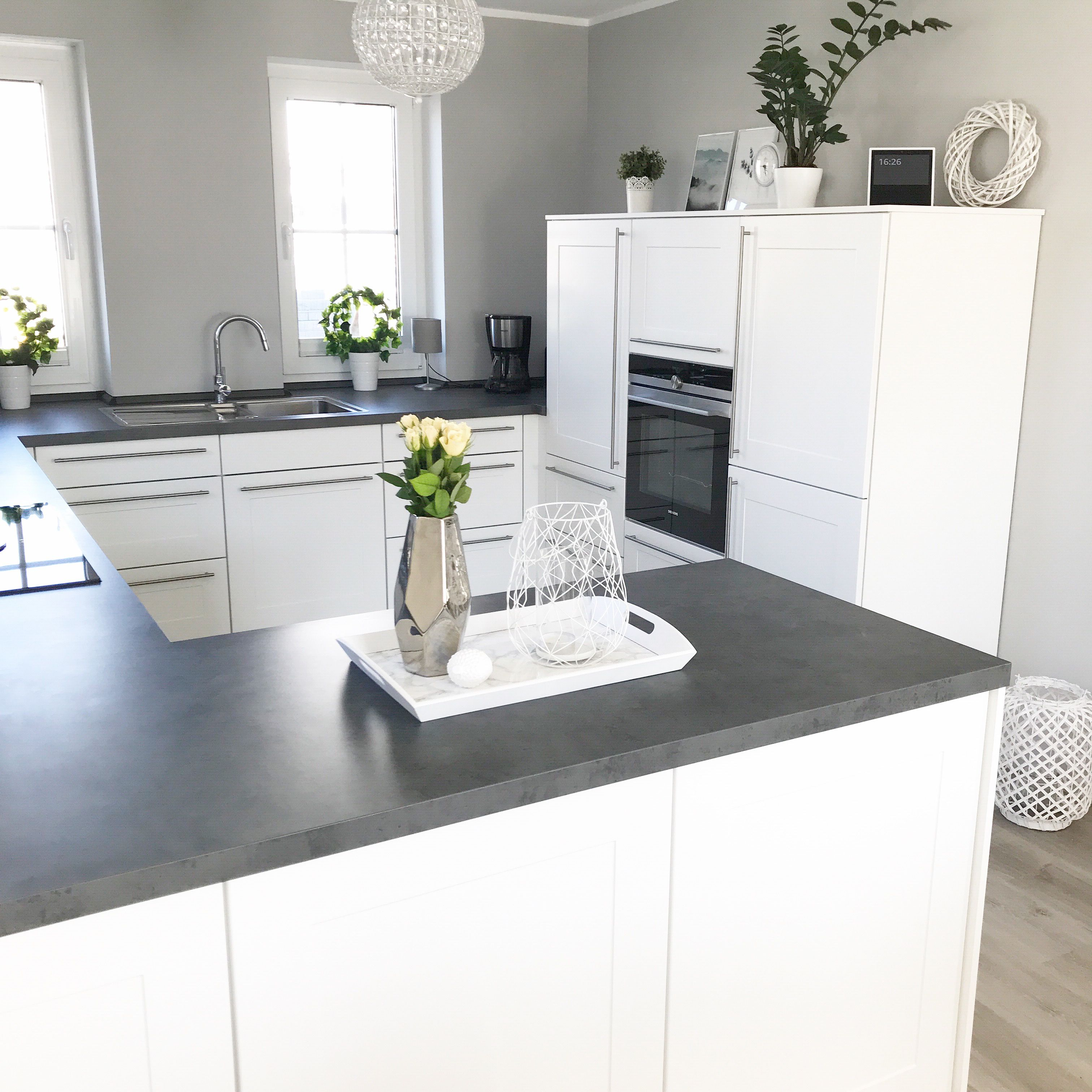 Wohndesign innenraum instagram wohnemotion landhaus küche kitchen modern grau weiß grey