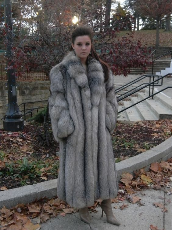 Best Crystal Fox fur coat model on the internet. She is the ...