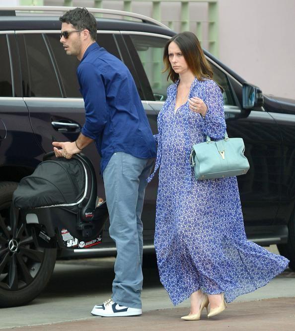 Jennifer Love Hewitt Dresses Her Baby Bump in Blue: See
