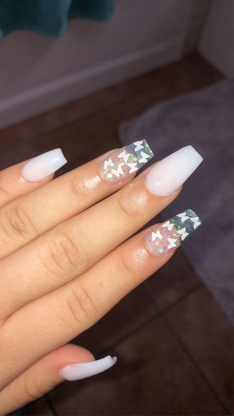White Acrylics Alberte Nic In 2020 Diy Acrylic Nails Short Acrylic Nails Designs Neon Acrylic Nails