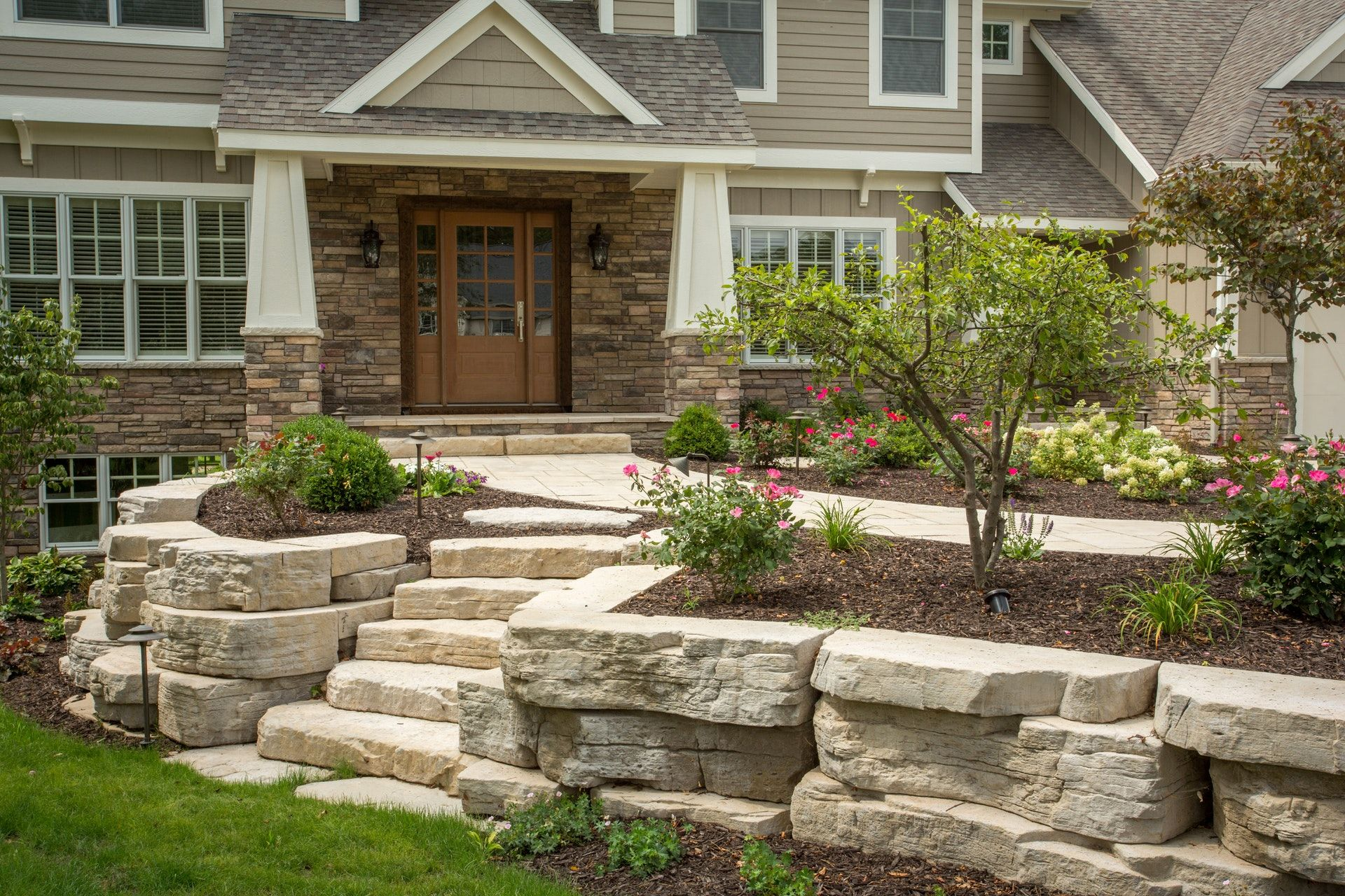 landscaping ideas with outcropping