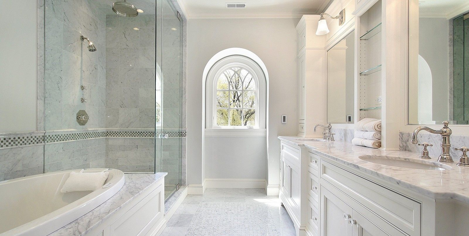 Shower and Marble Mosaic Tiles for Bathroom Floors | Beautiful ...
