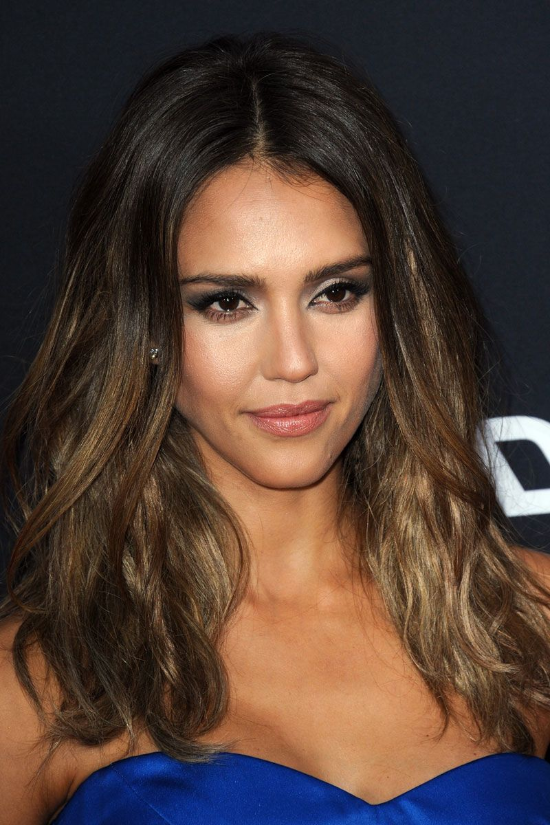 Jessica Alba at Sin City: A Dame To Kill For Los Angeles premiere: hair is perfectly undone w/ beach waves taking center stage