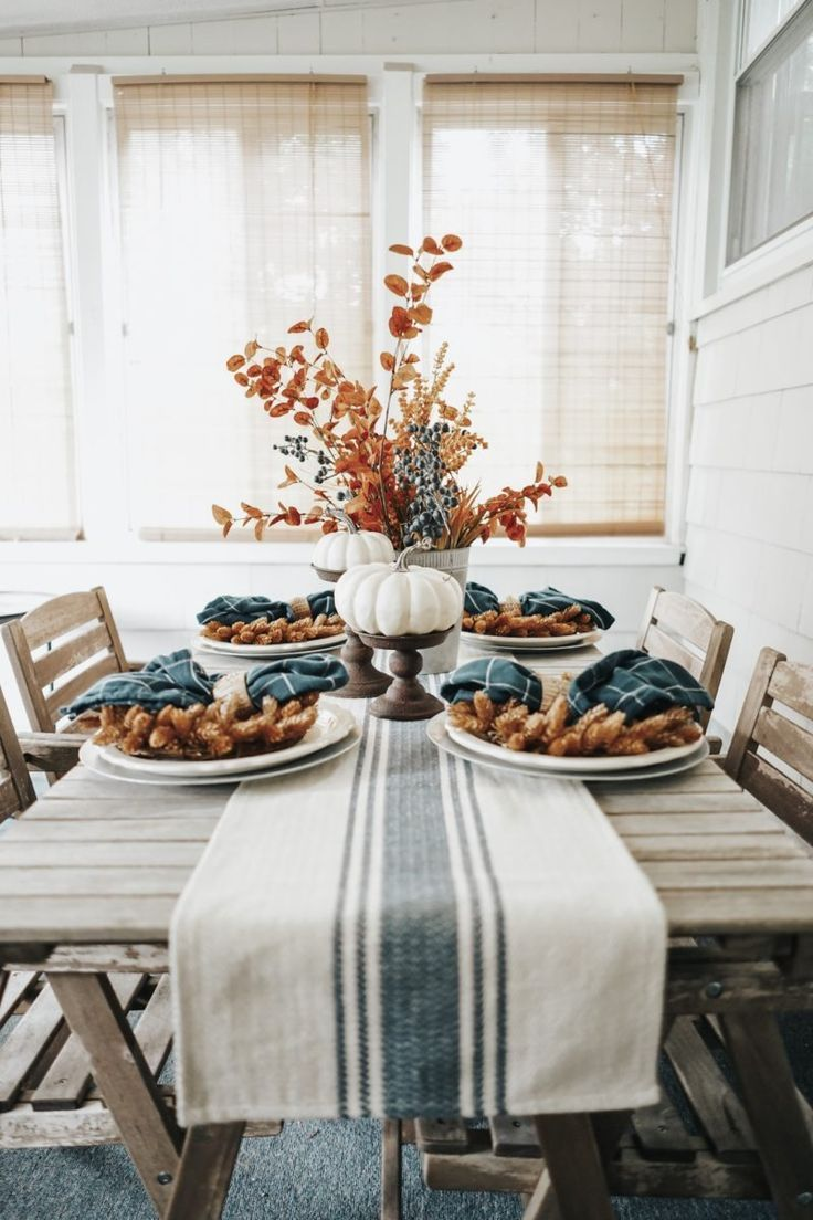Photo of Blue + Earth-Toned Fall Tablescape – The February Fox