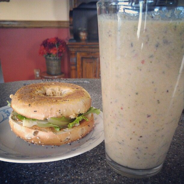 Everything bagel w/ spinach, pepperjack and hummus an,d #nutribullet with kale, spinach broccoli, apple and orange #nutriblast