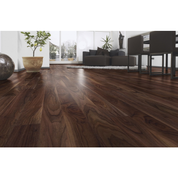 Walnut Laminate Flooring Doorandfloor Co Uk 10mm Html