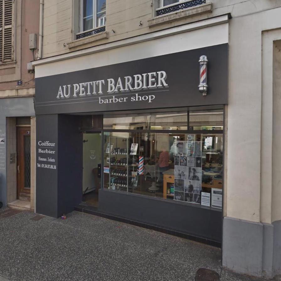 Au Petit Barbier Le C E Qui Fait Des Heureux Coiffeur Barbier Barbier Coiffeur