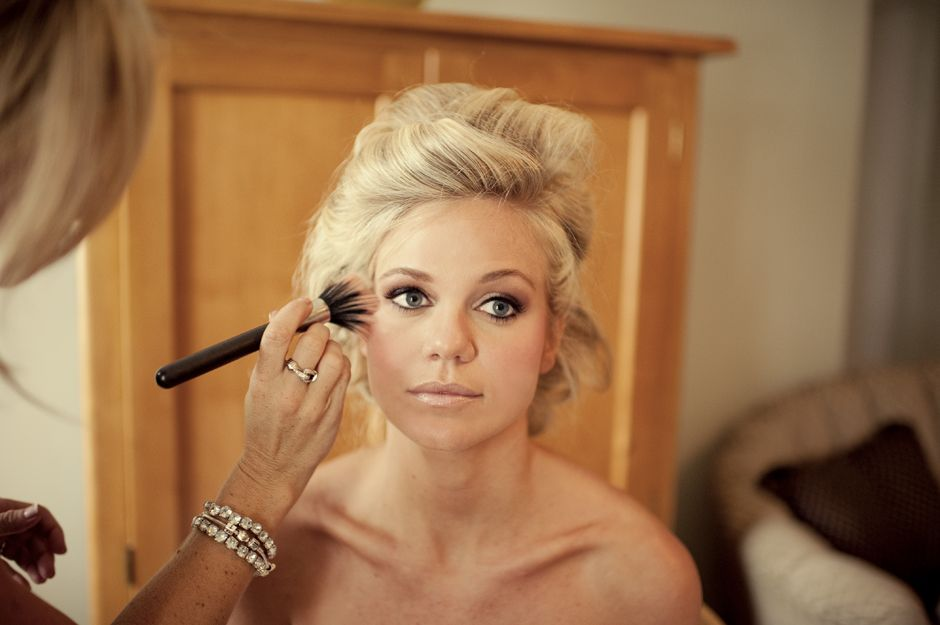 her makeup is stunning lots of pics to browse the soft
