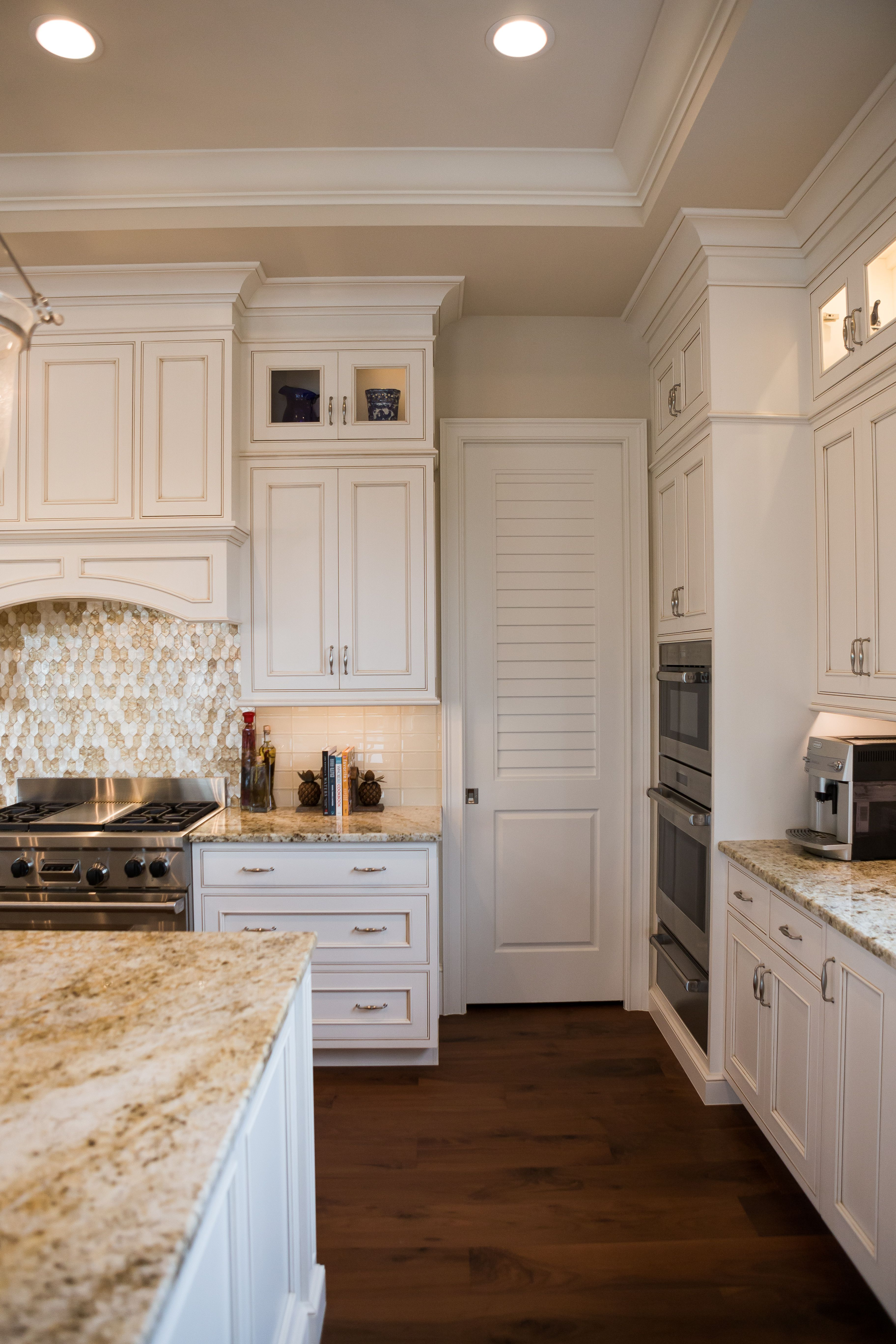 timeless #kitchen #kitchendesign #countertops #cabinets ...