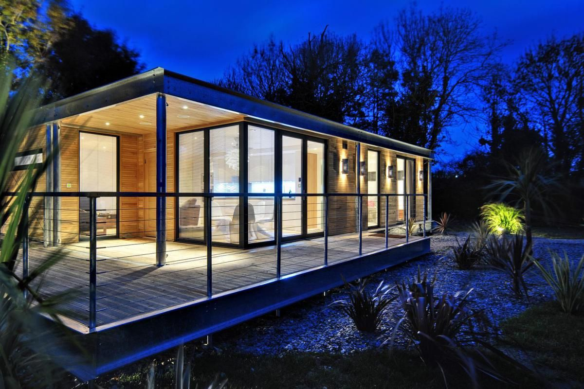 this distinctive modern dwelling is a small modular home