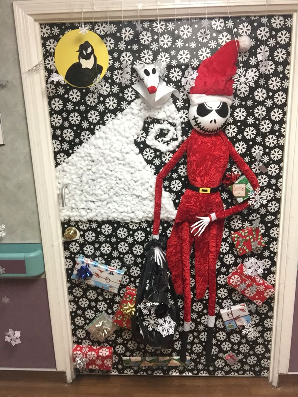 nightmare before christmas door decoration everything is handmade by yours truly and everything was purchased at michaels