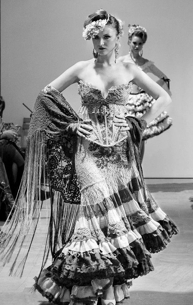 Rosalía Zahíno Diseñadora de Moda Andaluza