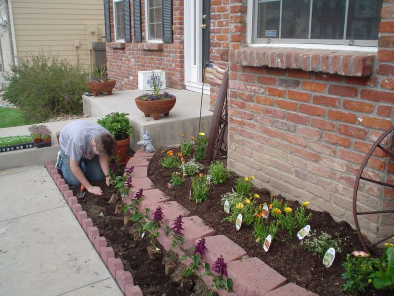 breathtaking-fine-flower-beds-front-yard-on-home-