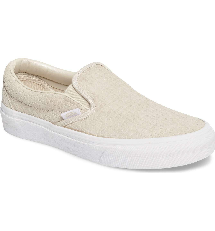 5317506658915d Main Image - Vans Classic Slip-On Sneaker (Women)