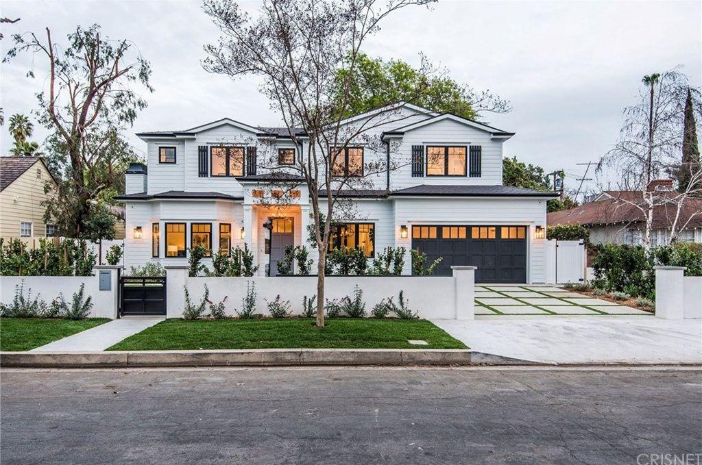 4240 Teesdale Ave Studio City Ca 91604 Mls Sr19043403 Zillow Dream House Exterior Luxury Homes Dream Houses Studio City Los Angeles