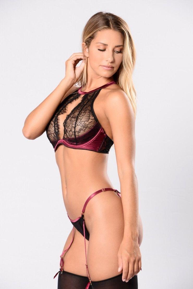 Emily deschanel sexy nude