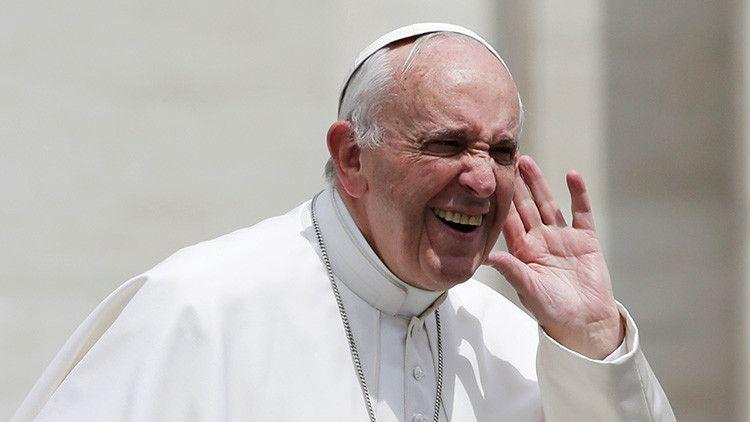 """Católicos contra Francisco: """"Lo que hace el papa es muy preocupante"""" - RT"""