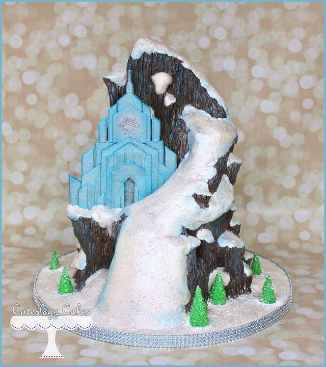 Splendid Queen Elsa Ice Castle Cake In 2020