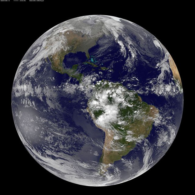 Satellite View of Earth on 11.11.11 | Ciel nocturne