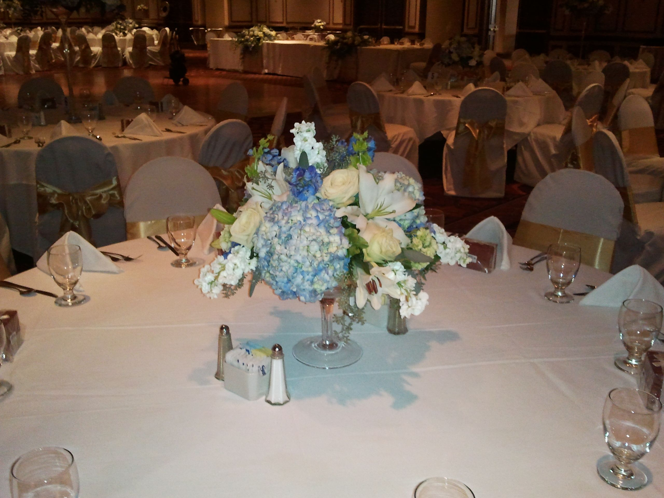 Weddings At Embassy Suites Charleston Wv Table Decorations