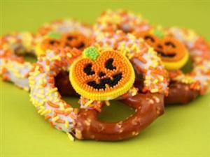 Easy Salty And Sweet Halloween Treats
