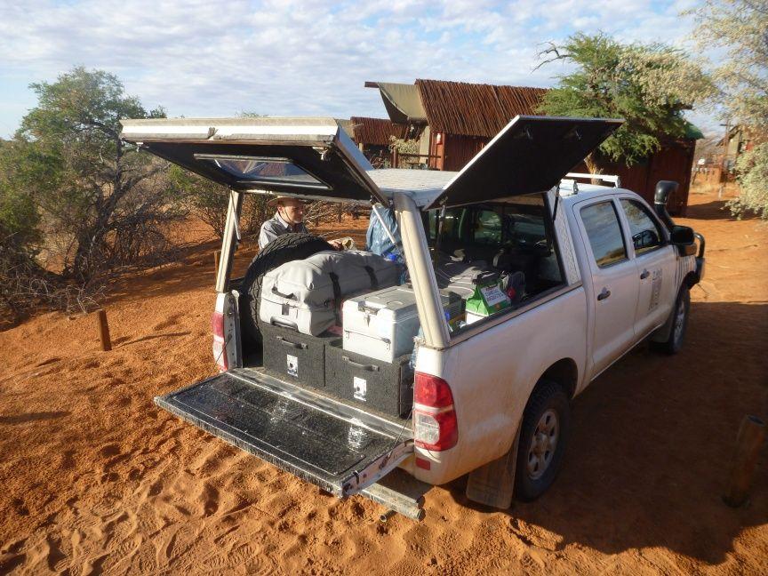 Kalahari Top Tents Roof Top Tent Toyota Hilux