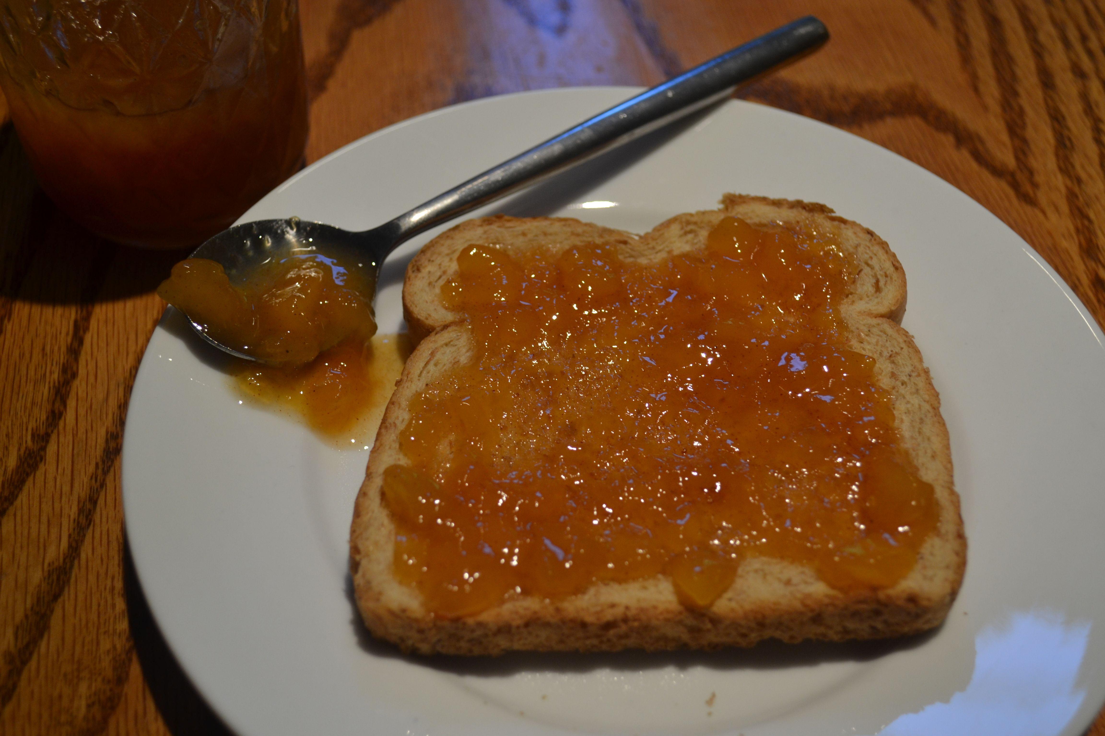 Homemade Peach Jam | Tea Time & Tulle