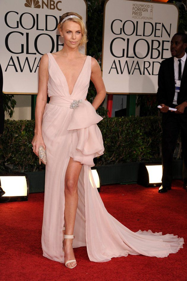 Luce como una estrella con estos vestidos de moda con escote en V ...