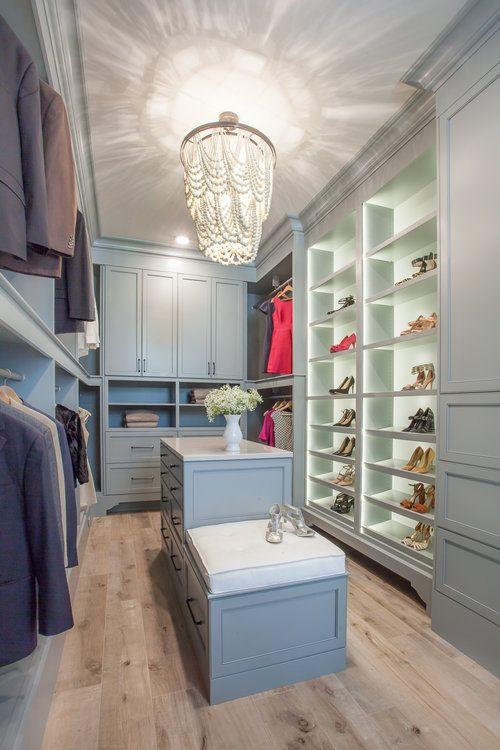 Superbe Custom Walk In Closet, LED Shoe Storage, Closet Island, Closet Chandelier  Fuchsia Design