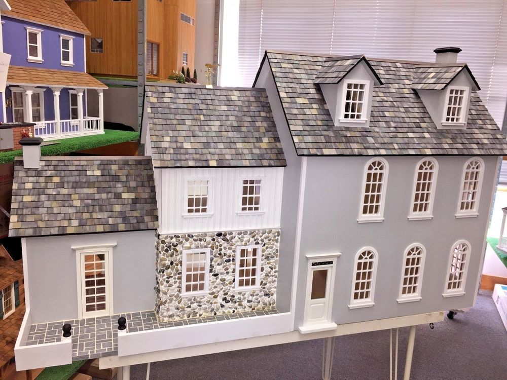 Pin By Mimi Dee On Dollhouse Miniatures That I Find Wonderful And Adorable Doll House Shingle House Miniature House