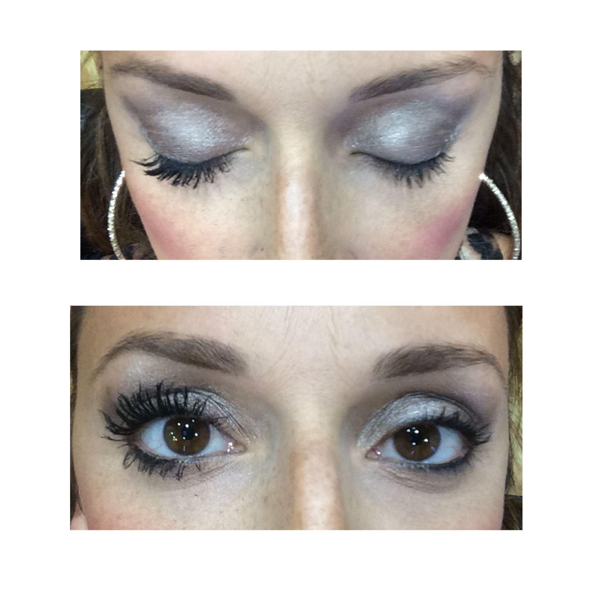 d0b7d114295 Left side 3d fiber lash mascara, right side drugstore mascara. No falsies!  No extensions! All natural ingredients!