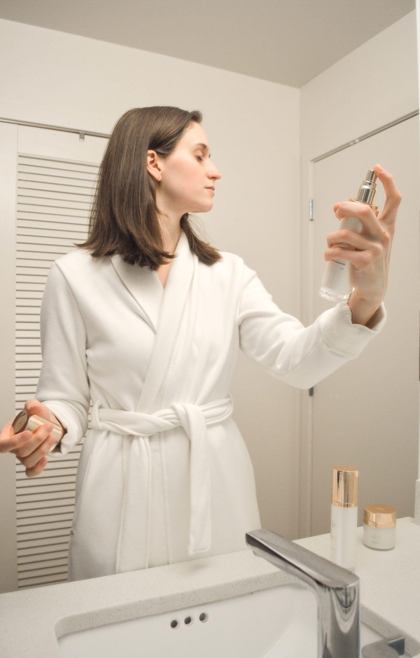 Using MicroFiber Cloths to Remove Your Makeup Maskcara