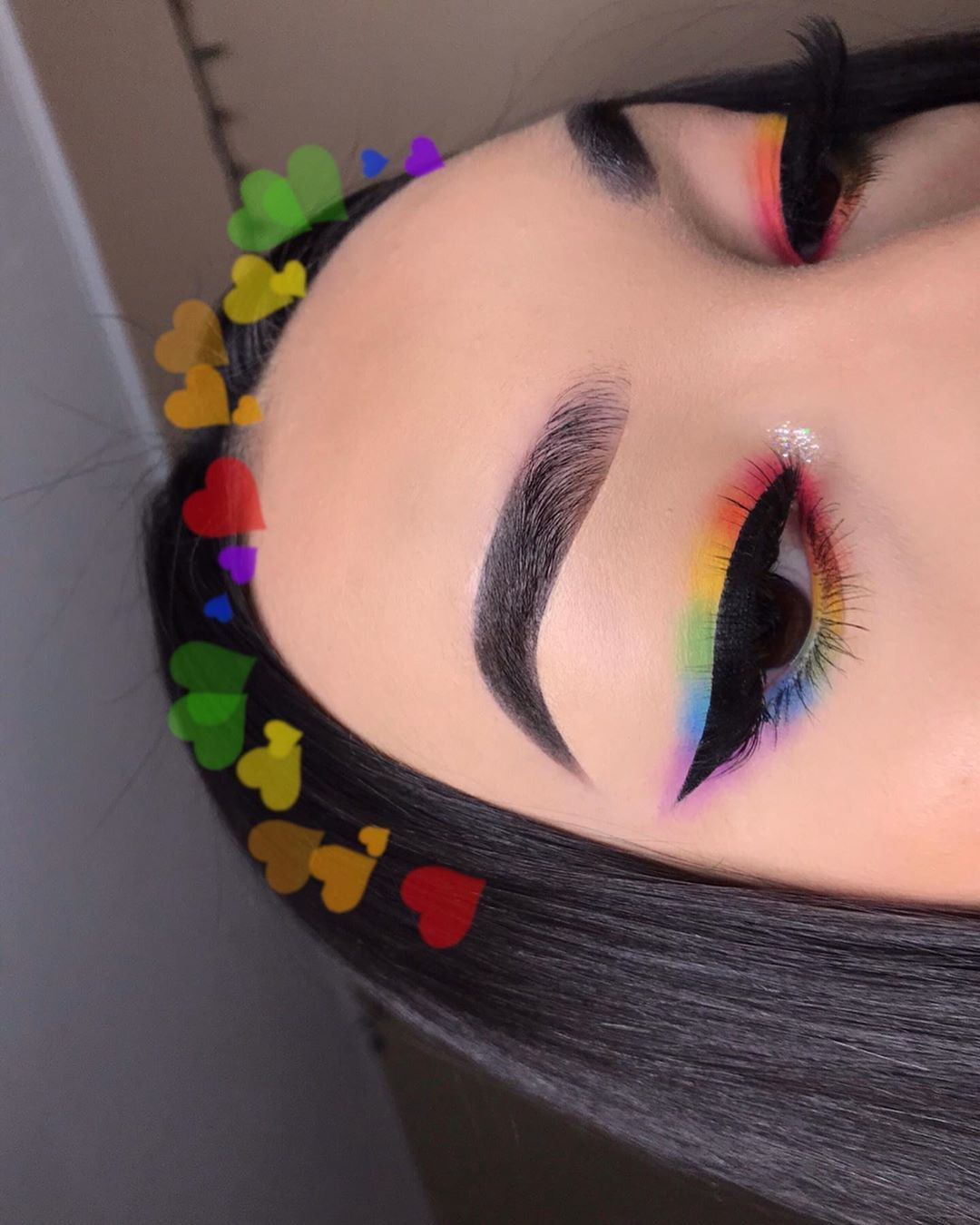 "Photo of Chelsea Breanne Echeverria🐞 on Instagram: ""🏳️‍🌈PRIDE eyeliner🏳️‍🌈 ‼️👉🏼SWIPE TO SEE PICTORIAL👉🏼‼️ – Hi luvbugs🐞🧡In honor of pride month I wanted to do a rainbow look🏳️‍🌈I'm part of…"""