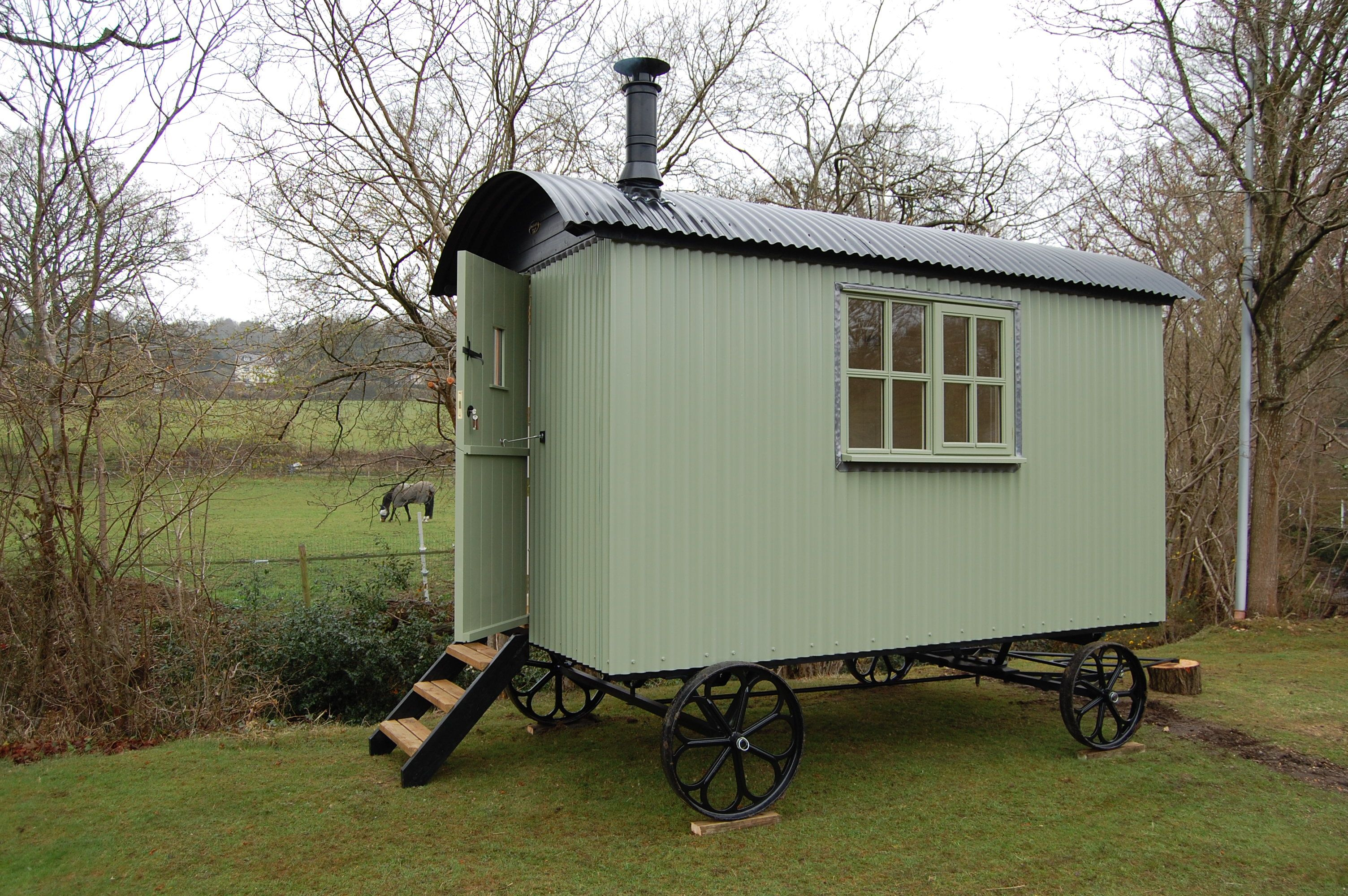 shepherd\'s hut - or sheds on wheels, gypsy wagons. a stove, bed, not ...