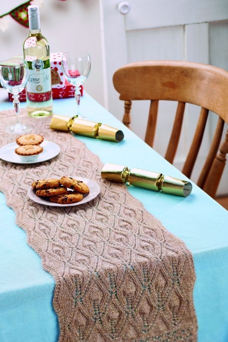 Flame Stitch Christmas Table Runner Things I Want To