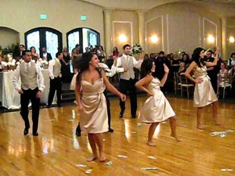 Wedding Party Dancing To Single Las By Beyonce I Love The Idea Of Bridesmaids And Groomsmen Doing A Dance Together